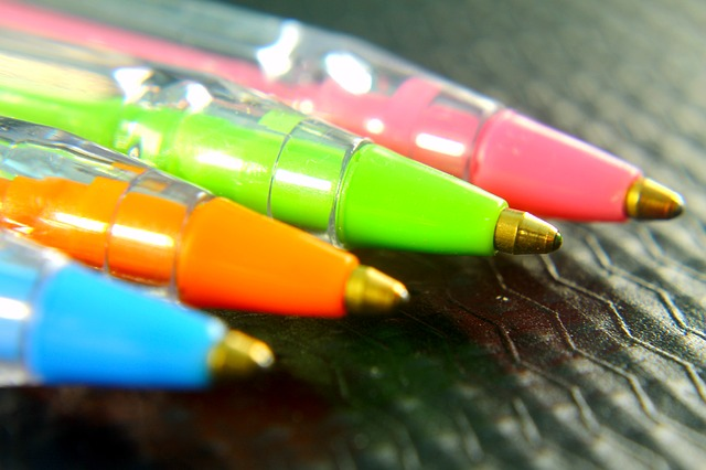 barevné propisky