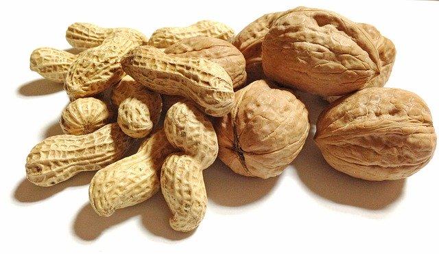 arašídy a vlašáky.jpg